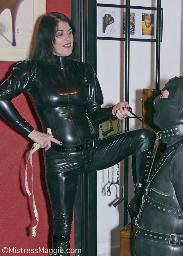 Preston-Mistress-Maggie-with-collared-slave