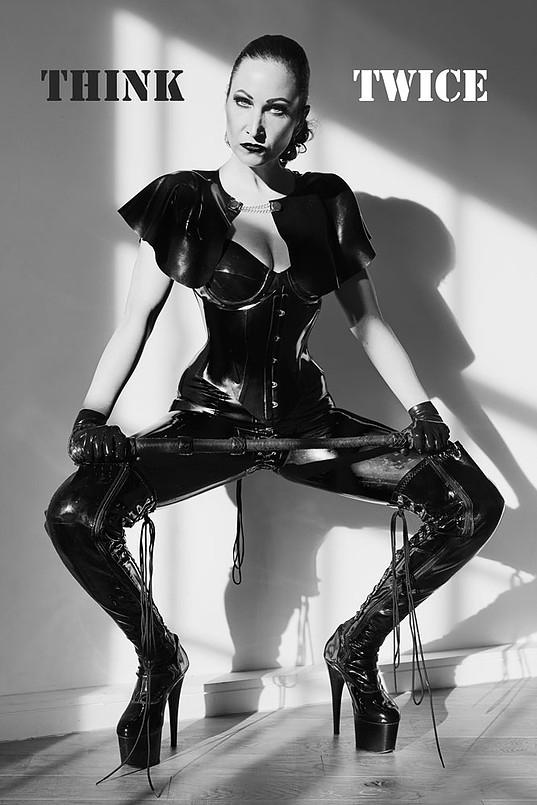 london-mistress-morana-with-whip