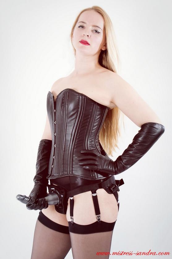 london-strapon-mistress-sandra