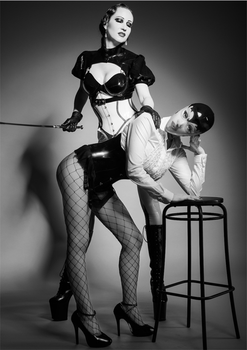 London-Mistress-MORANA-DOMINA-her-sexy-sub-Assitant​