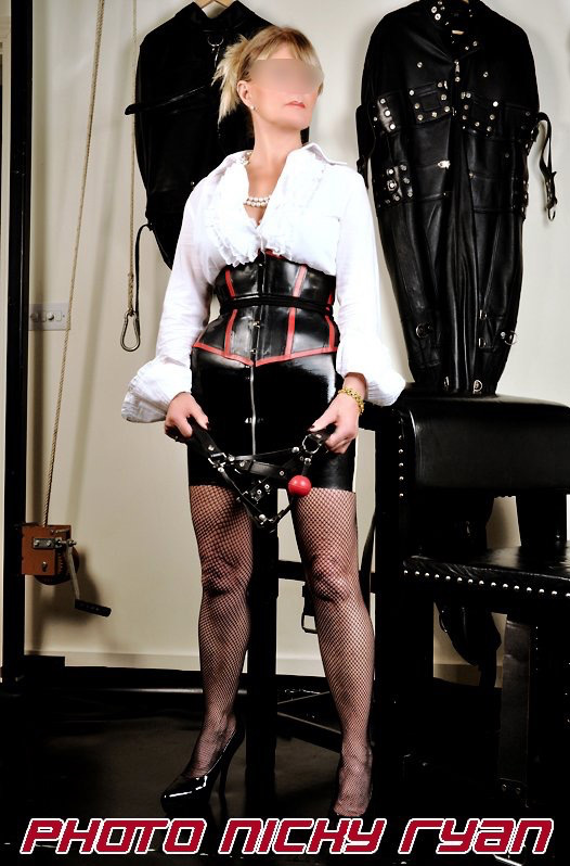 London-Mistress-Vanessa-with-ballgag